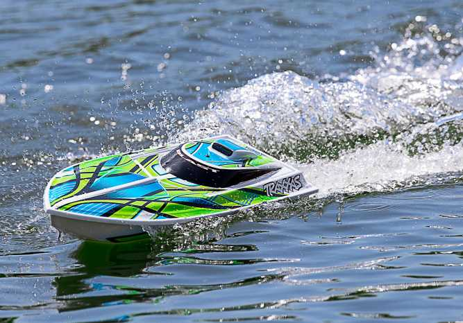 Traxxas Blast | Best Remote Control Boat | High Performance