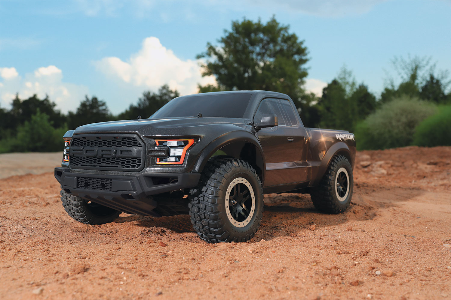 traxxas ford f 150 raptor 1 10 rtr short course truck. Black Bedroom Furniture Sets. Home Design Ideas