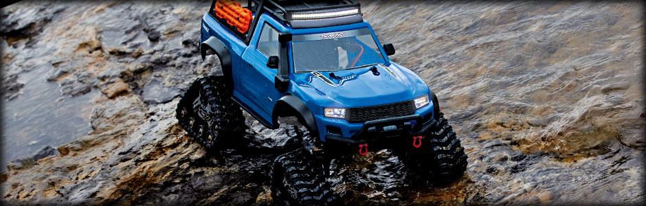 TRX-4 Equipped with TRAXX (#82034-4) (Blue)