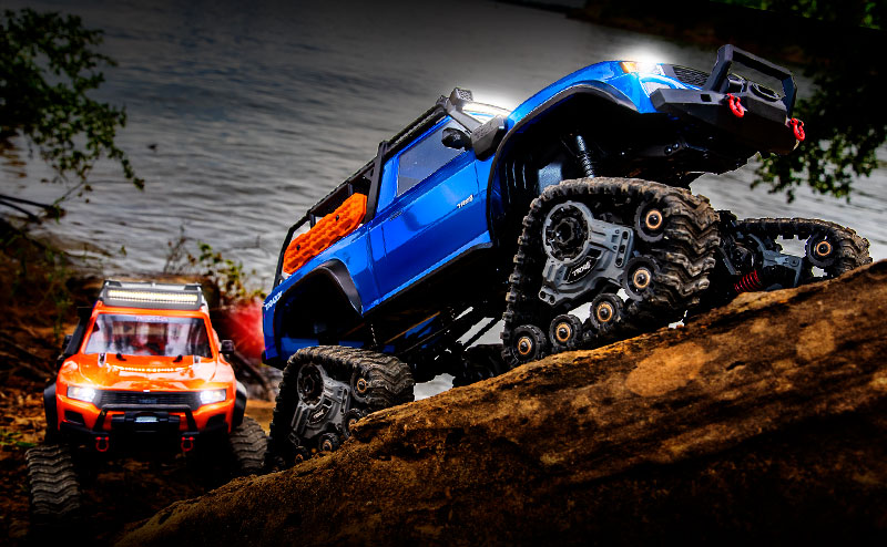 TRX-4 Equipped with TRAXX (#82034-4) Action