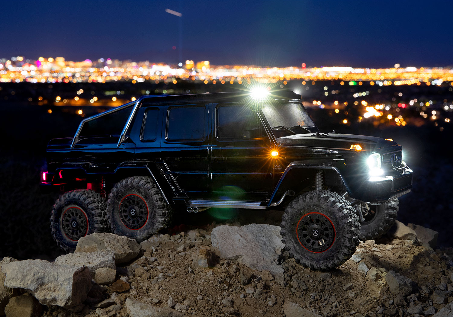 TRX-4 Mercedes-Benz G 63 AMG 6x6 Factory-Equipped LED Lighting