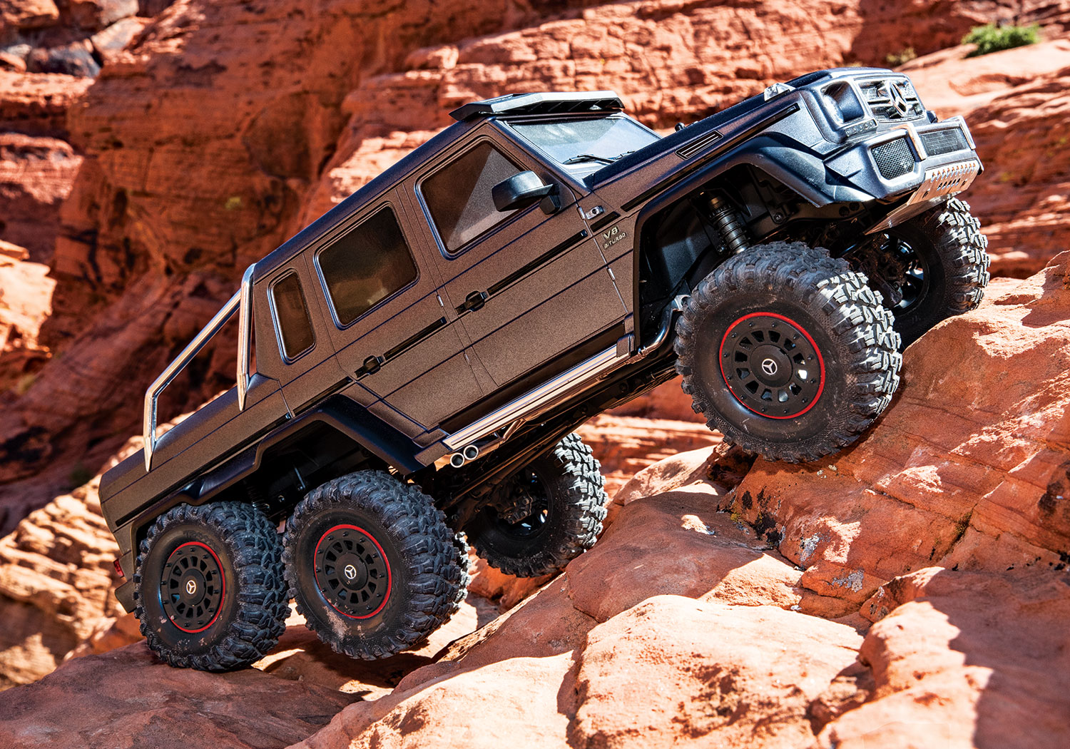 TRX-4 with Mercedes-Benz G 63 AMG 6x6 Silver Rock Crawl