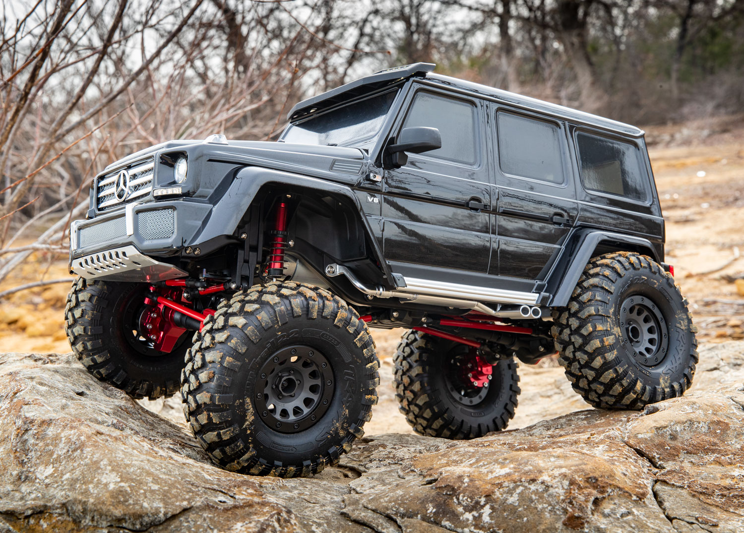 Black G 500 on the rocks