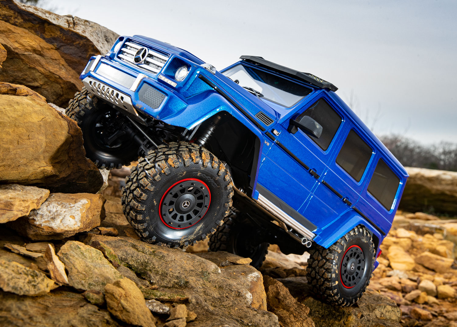 Blue G 500 on the rocks