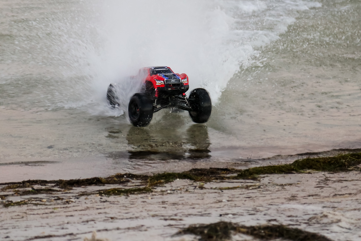 X-Maxx defies physics on the water